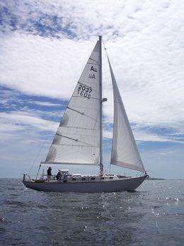 1968 Alberg 37