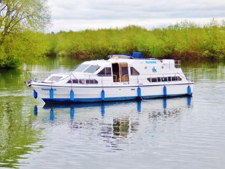 2005 Aquafibre Charter 40