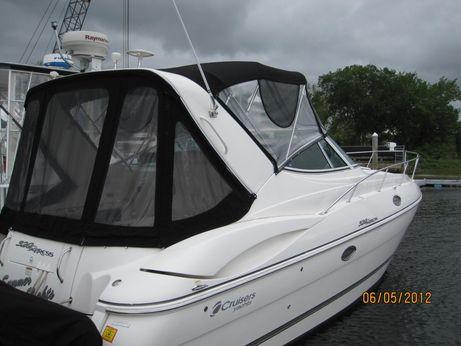 2005 Cruisers Yachts 320 Express