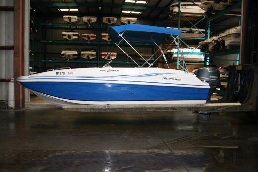 2013 Hurricane deckboat 188