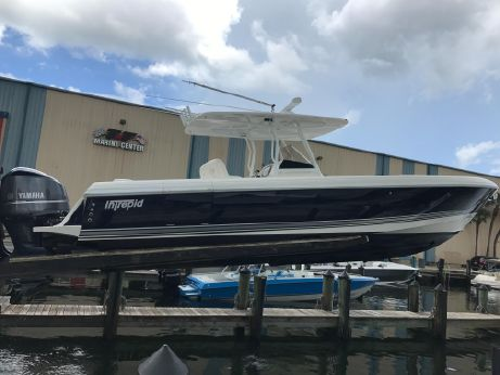 2010 Intrepid 370 Open
