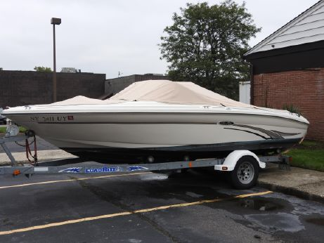2002 Sea Ray 182 Bow Rider