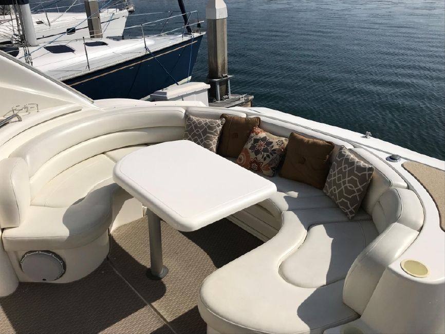 Cruisers Yachts Cockpit Lounge Seating