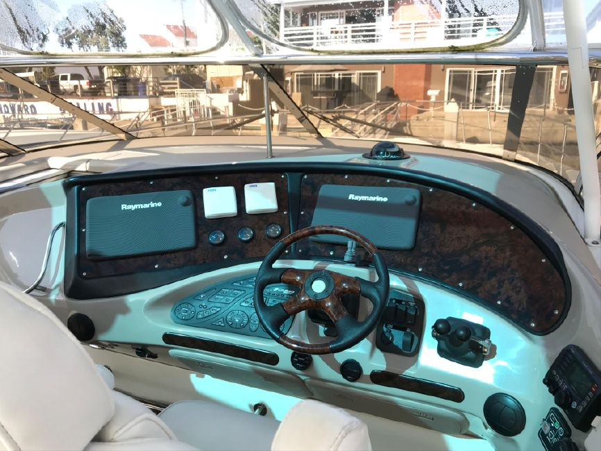 Cruisers Yachts 5470 Express Yacht Helm Controls