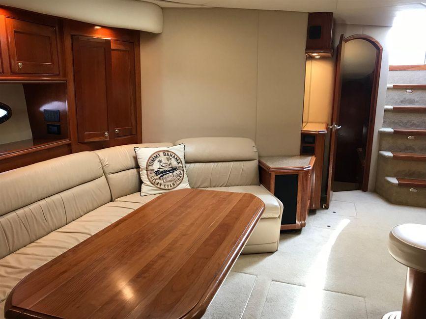 Cruisers Yachts 5470 Express Interior Salon