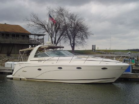 2004 Rinker 410 Express Cruiser