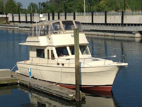 2006 Mainship 43 Trawler