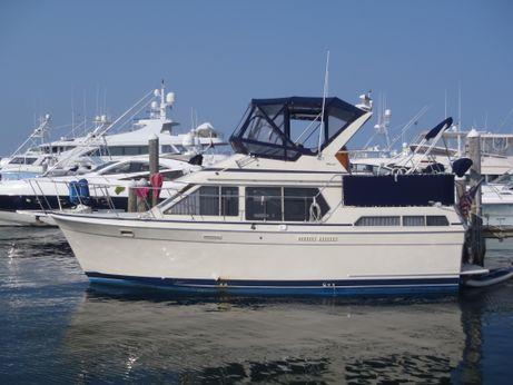 1987 Tollycraft 34 Motor Yacht Sundeck