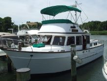 1987 Marine Trader Classic Double Cabin