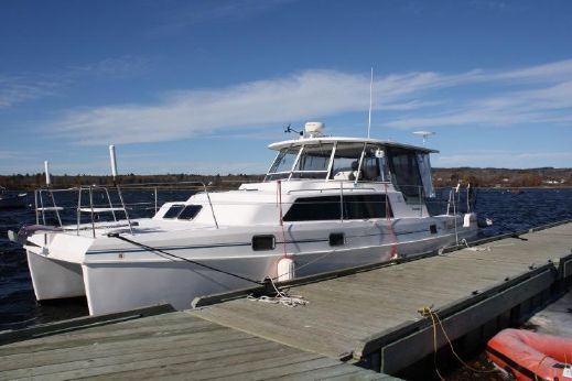 2001 Endeavour Catamaran 36 Powercat