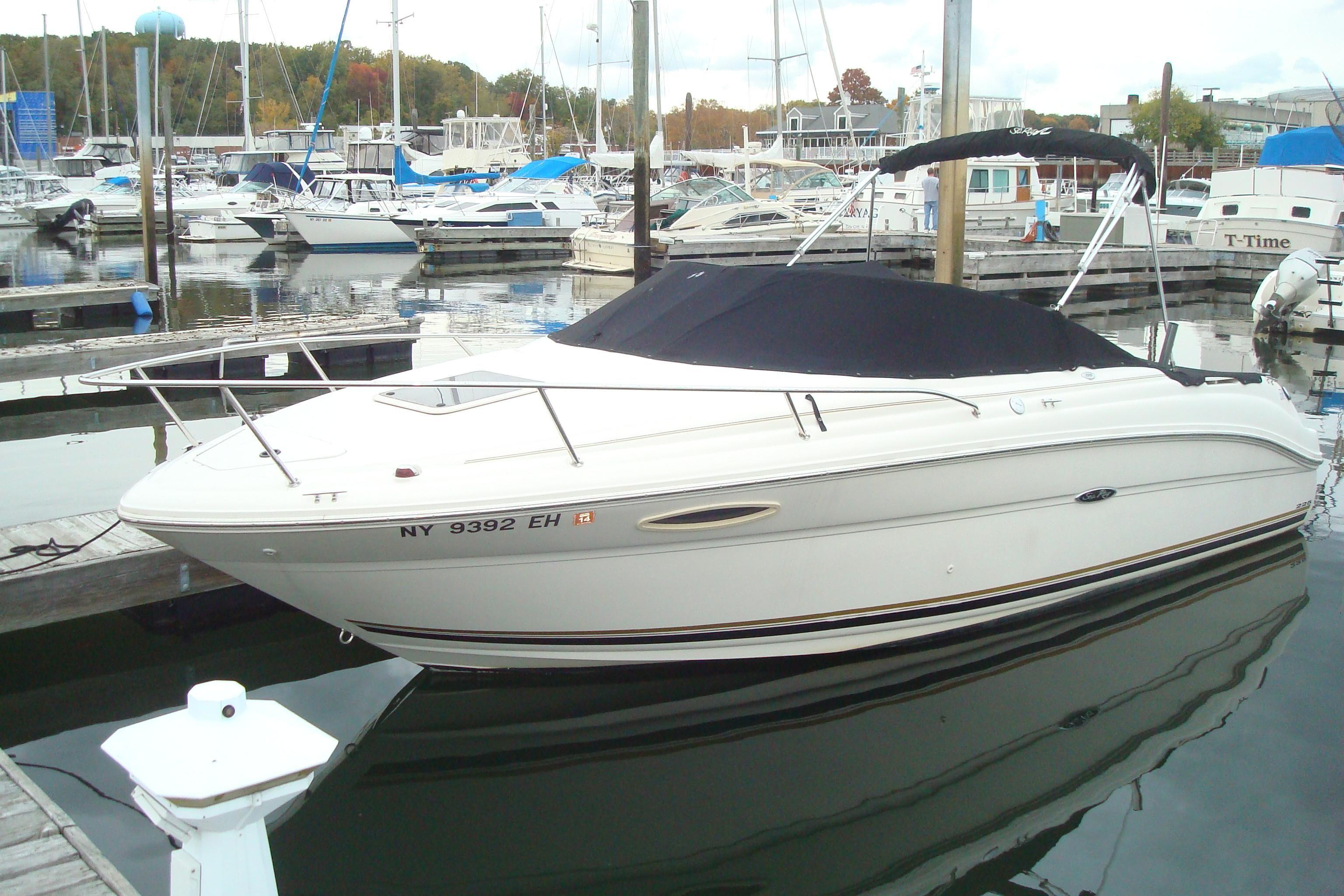 Xlarge on Sea Ray 225 Weekender