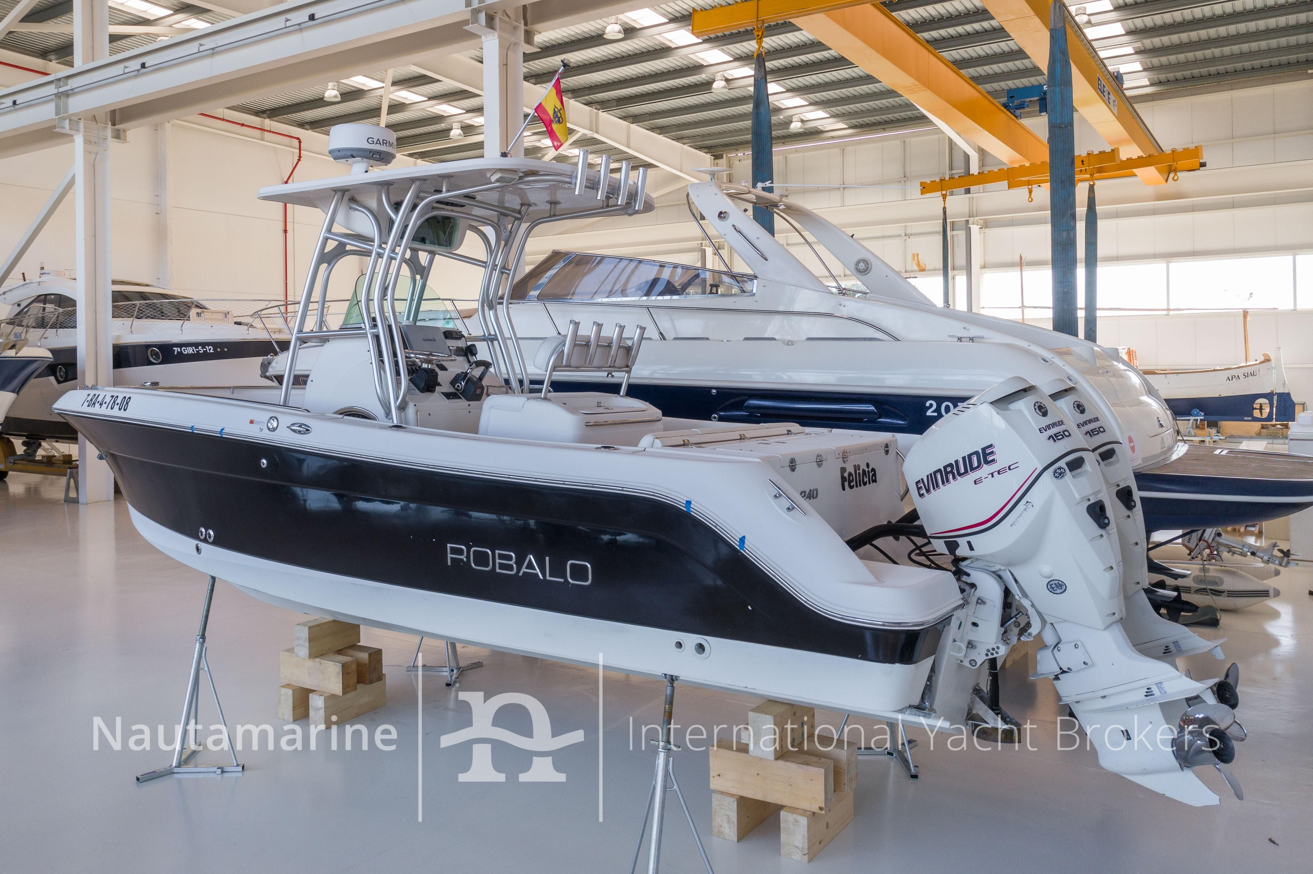 2007 robalo r240 center console power boat for sale www for Robalo fish in english