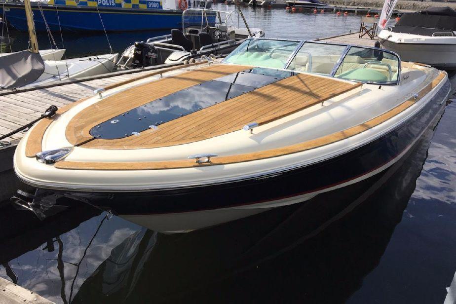 2015 chris-craft corsair 32