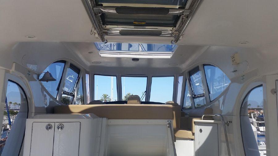 Carver 564 Cockpit Motoryacht for sale in Long Beach