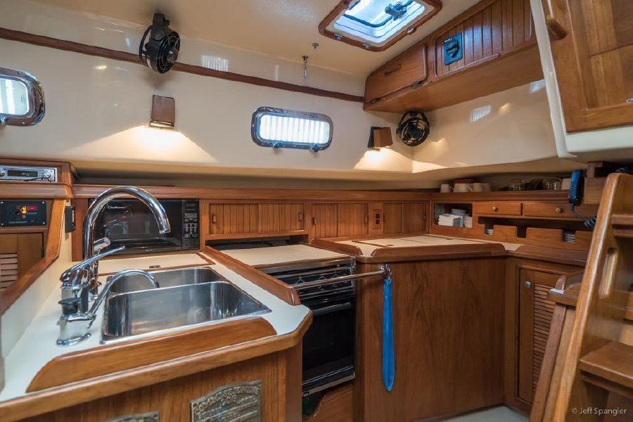 Island Packet 45 Aft Cockpit Sailboat for sale