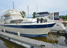 1985 Chris-Craft 410 Commander