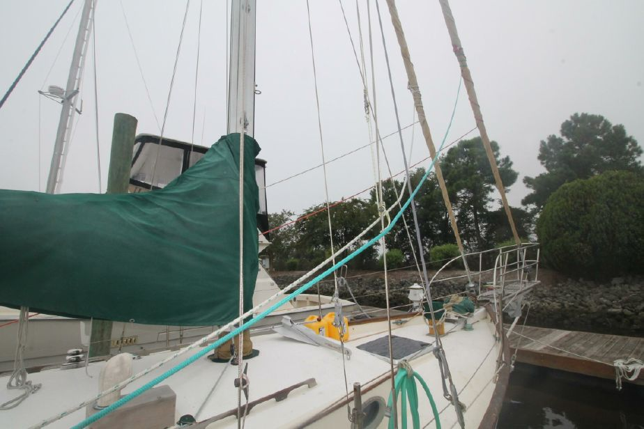 1975 Alajuela Yacht Corp  38 Cutter Sail Boat For Sale - www