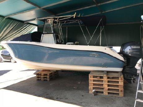 2008 Seaswirl Striper 2601 Center Console O/B