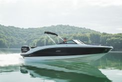 2020 Sea Ray SPO210E