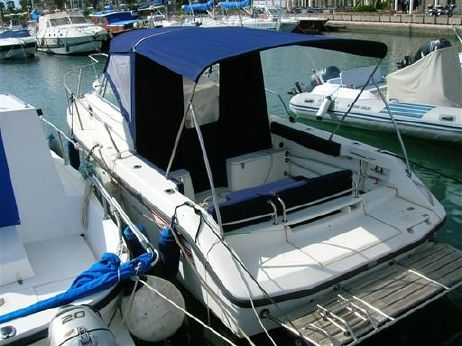 2001 Boston Whaler Conquest 230