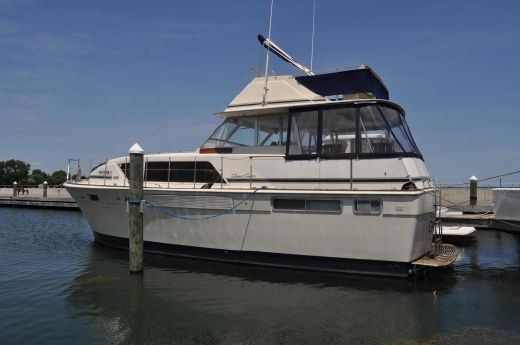 1973 Chris Craft 41 Commander
