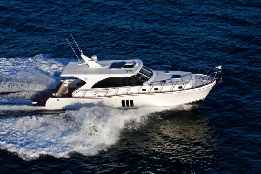2017 Explorer Motor Yachts Hudson Bay 50 Sedan