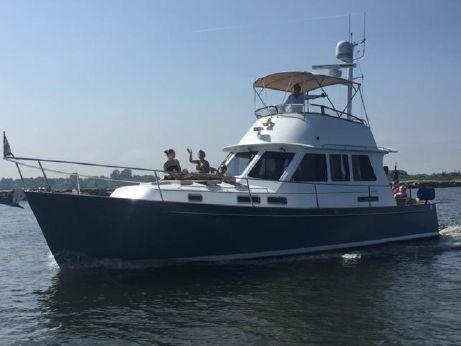 2005 Legacy Yachts 42 Flybridge
