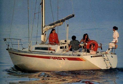 1982 Beneteau First 32