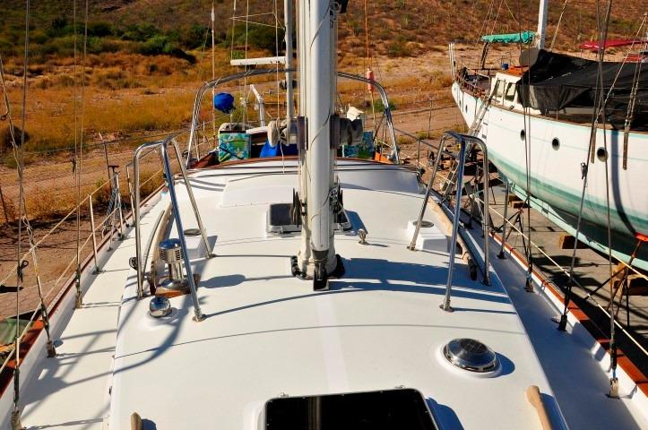 42' Whitby 42 Ketch+Photo 46
