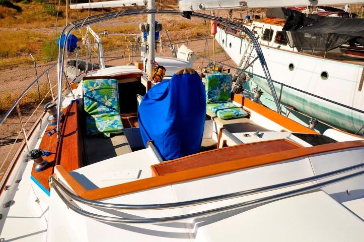 42' Whitby 42 Ketch+Photo 33