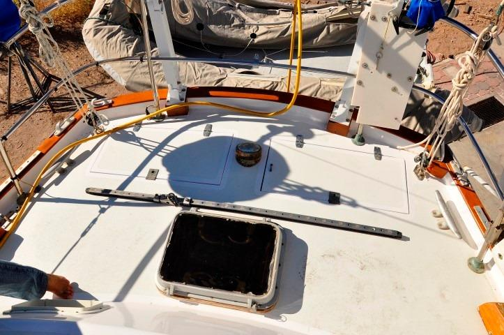 42' Whitby 42 Ketch+Photo 40