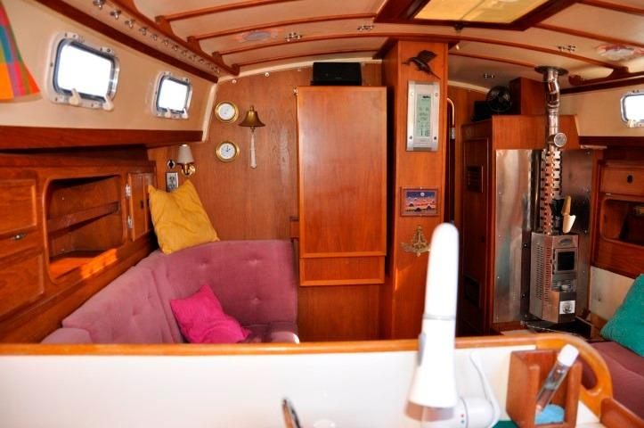 42' Whitby 42 Ketch+Photo 12