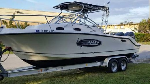 2004 Mako 253 Walk Around