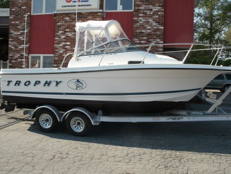 1999 Bayliner 2052 Trophy Walkaround