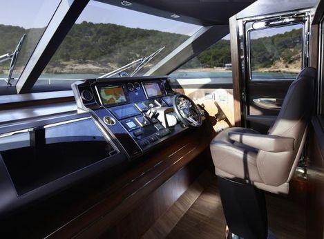 2014 Princess Flybridge 82 Motor Yacht