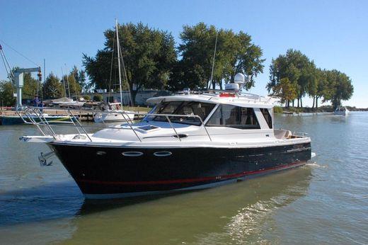 2015 Cutwater 30 Sedan, 435 hp - DEMO - In Stock