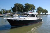 photo of 30' Cutwater 30 Sedan, 435 hp - DEMO - In Stock