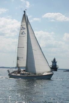 1979 Cape Dory Intrepid 9 Meter