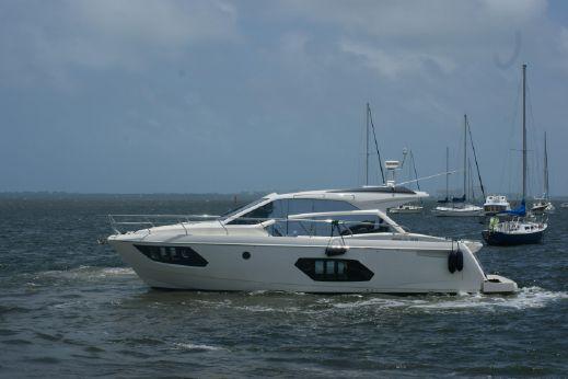 2017 Absolute 45 STY Sport Yacht