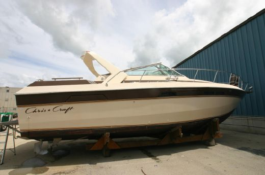 1982 Chris Craft Commander Exprtess 332