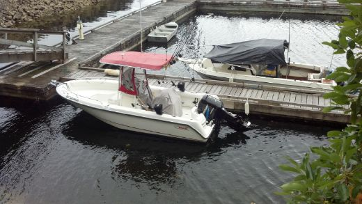 2003 Boston Whaler 210 Outrage