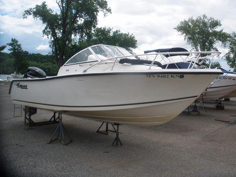 2008 Mako 215