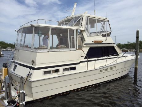 1988 Viking Yachts 44 MY