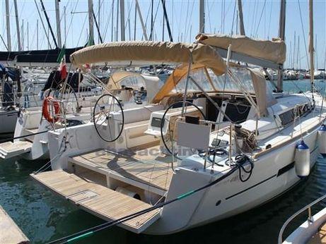 2015 Dufour Yachts 410 Grandlarge