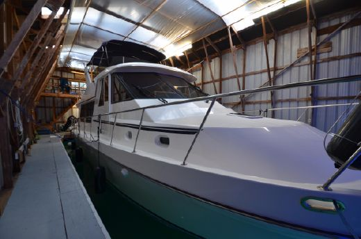2002 Canoe Cove Pilothouse