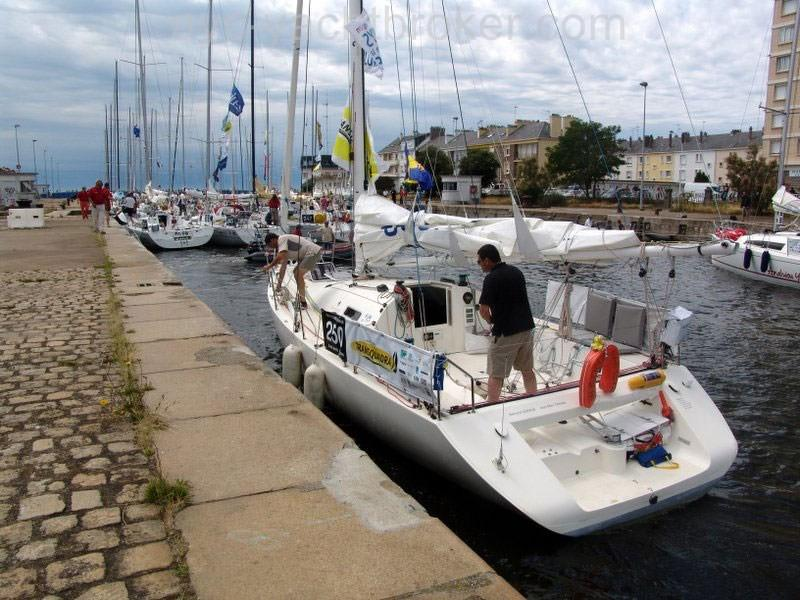 2000 Maxi Dolphin Giro 34 Sail New and Used Boats for Sale