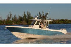 2019 Everglades 335 Center Console