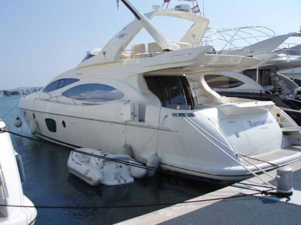 Azimut Azimut 68E Type Motor. This Azimut 68 Evo built in 2006 is in ...