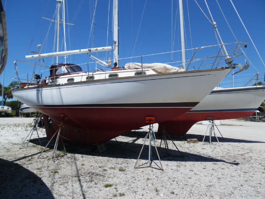 1983 Cape Dory 33 Sail Boat For Sale - www yachtworld com