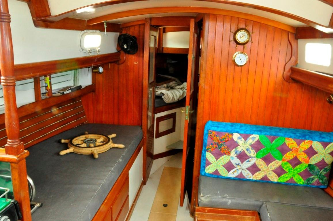 31' Mariner Ketch+Photo 8